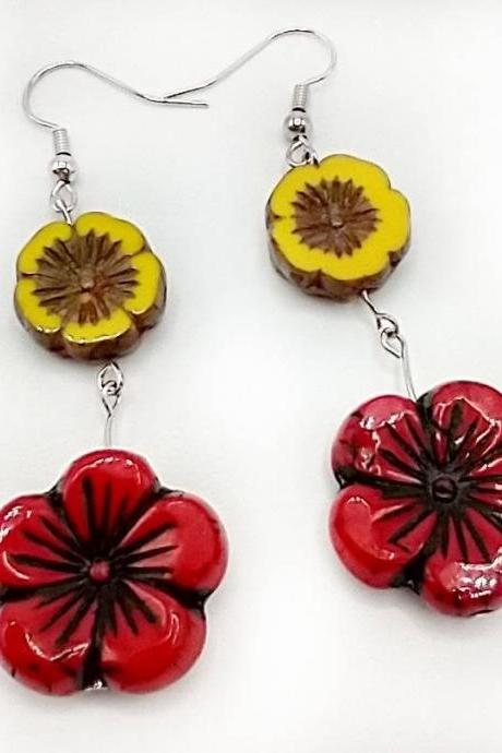 Czech glass earrings glass bead earrings flower earrings floral earrings summer earrings botanical earrings red flower yellow flower boho